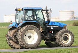 Tag ~Tractors | whatCARisthat co uk